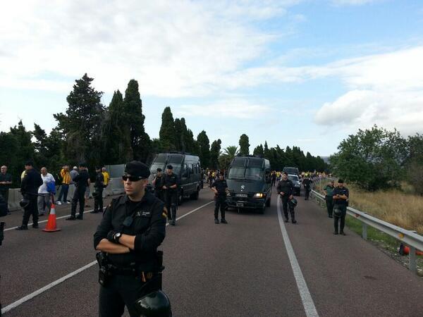 Fotografia - Guàrdia Civil  rodeando #ViaCatalana en Vinaròs